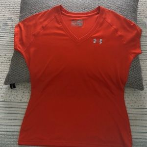 Under Armour heat gear semi fitted top